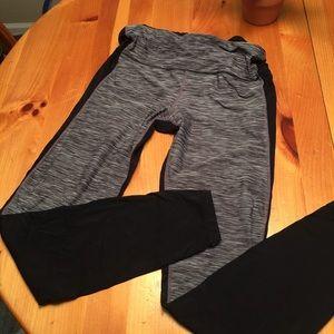 GAP fit grey and back leggings